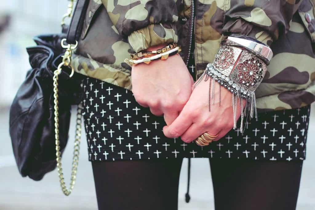 Bracelet both hands