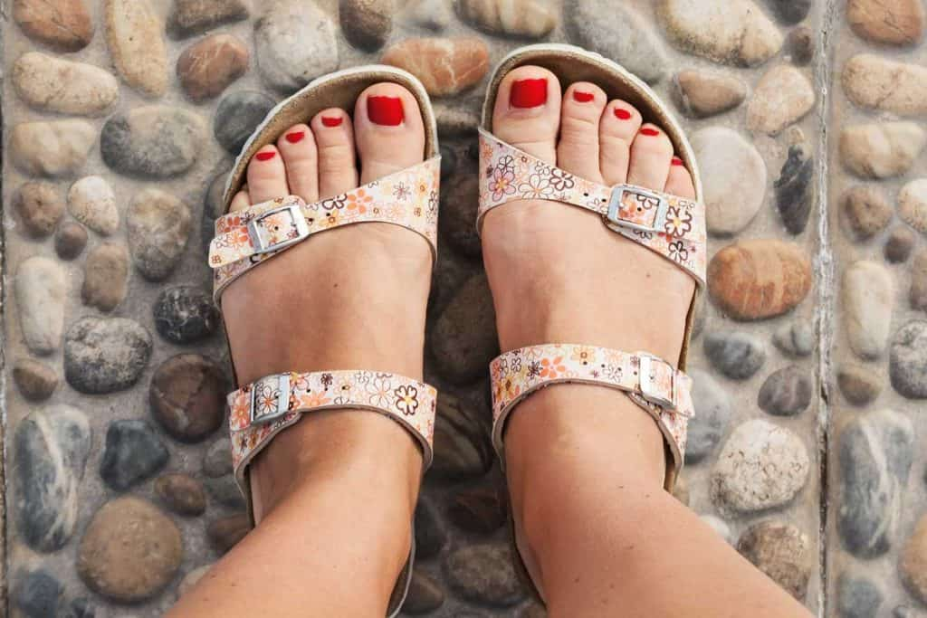 How To Stretch Sandals Wide?