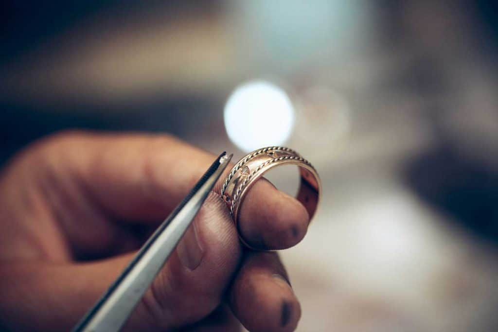 Do Diamond Rings Have Serial Numbers?