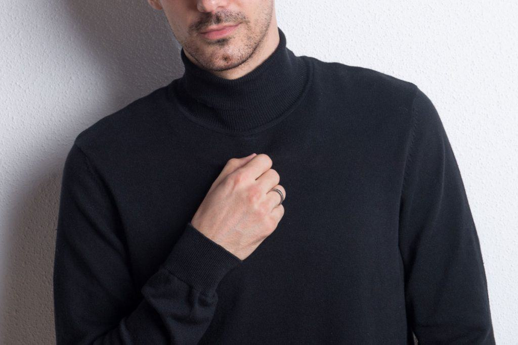 How-to-Wear-a-Turtleneck-[An-Illustrated-Guide]