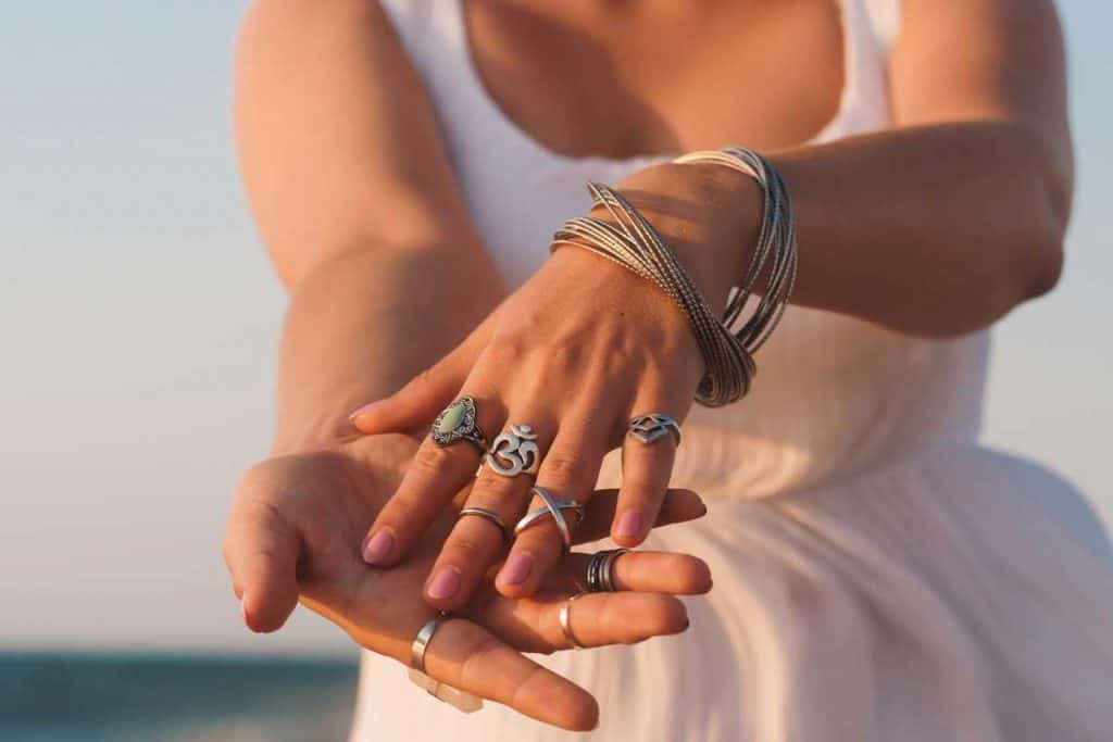 Do-Rings-Fit-Tighter-in-Summer