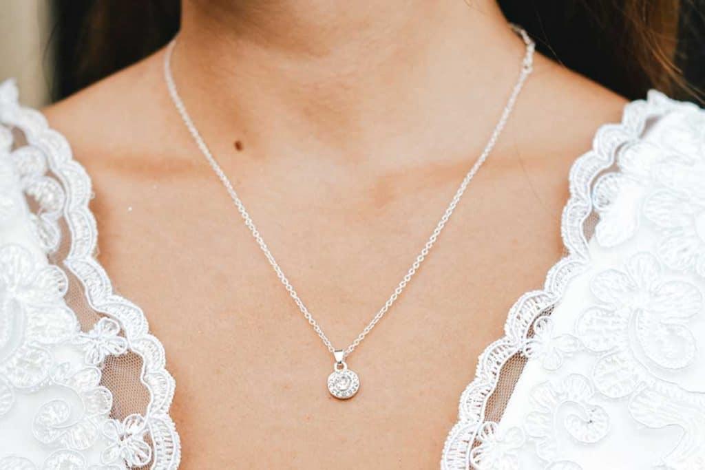 Close up of a bride with a diamond necklace, Do Necklaces Stretch?