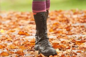 Read more about the article How To Wear Socks With Boots