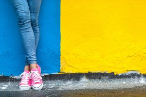 What Color Sneakers Go With Blue Jeans