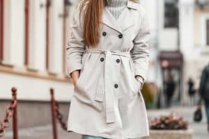 Should a Coat Be Fitted or Loose?