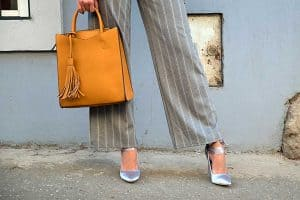 Read more about the article What Shoes to Wear With Straight Leg Pants [7 Suggestions]
