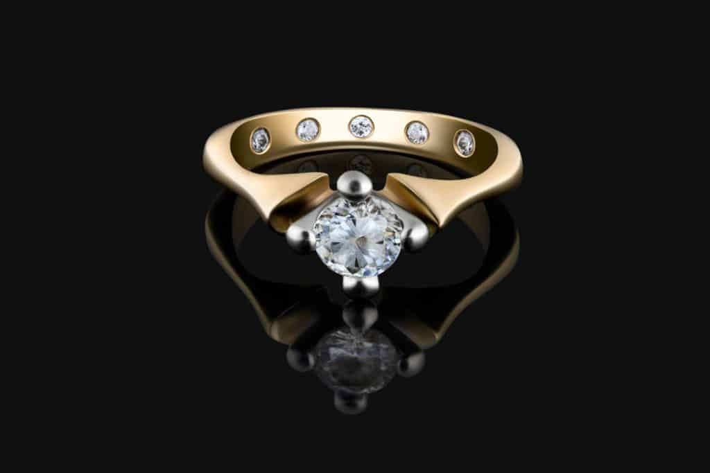 Engagement Ring with Diamond or Moissanite