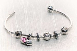 How To Clean Your Pandora Bracelet (Inc. DIY Home Solutions)