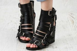 What To Wear With Wedge Sandals [6 Awesome Ideas]