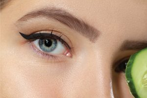 Read more about the article 9 Ways To Keep Bottom Eyeliner From Smudging