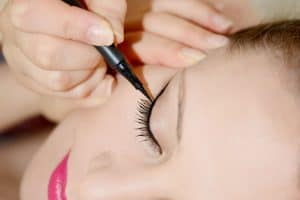 Can You Use Liquid Eyeliner On Your Waterline?