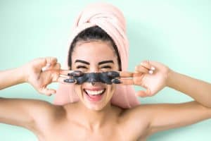 Read more about the article Do Clay Masks Absorb Oil And Do They Clean Pores?