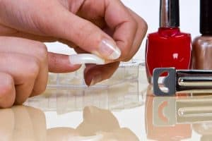 Read more about the article How To Remove Nail Glue From Fake Nails [2 Methods Explored]