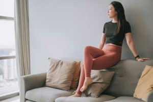 Read more about the article Leggings Vs. Yoga Pants Vs. Tights – Is There A Difference?