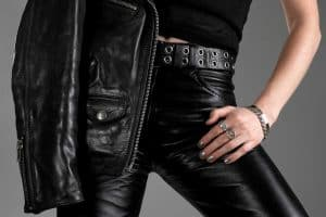Read more about the article What Pants To Wear With A Leather Jacket