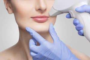 Read more about the article Can You Shave Or Pluck Between Electrolysis Treatments?