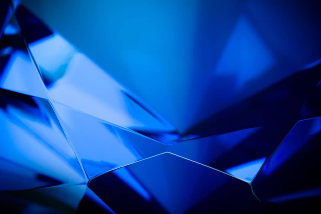 Crystalline formation of a blue sapphire stone