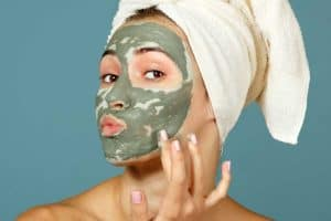 Read more about the article Should You Do A Clay Mask Before Or After A Shower?
