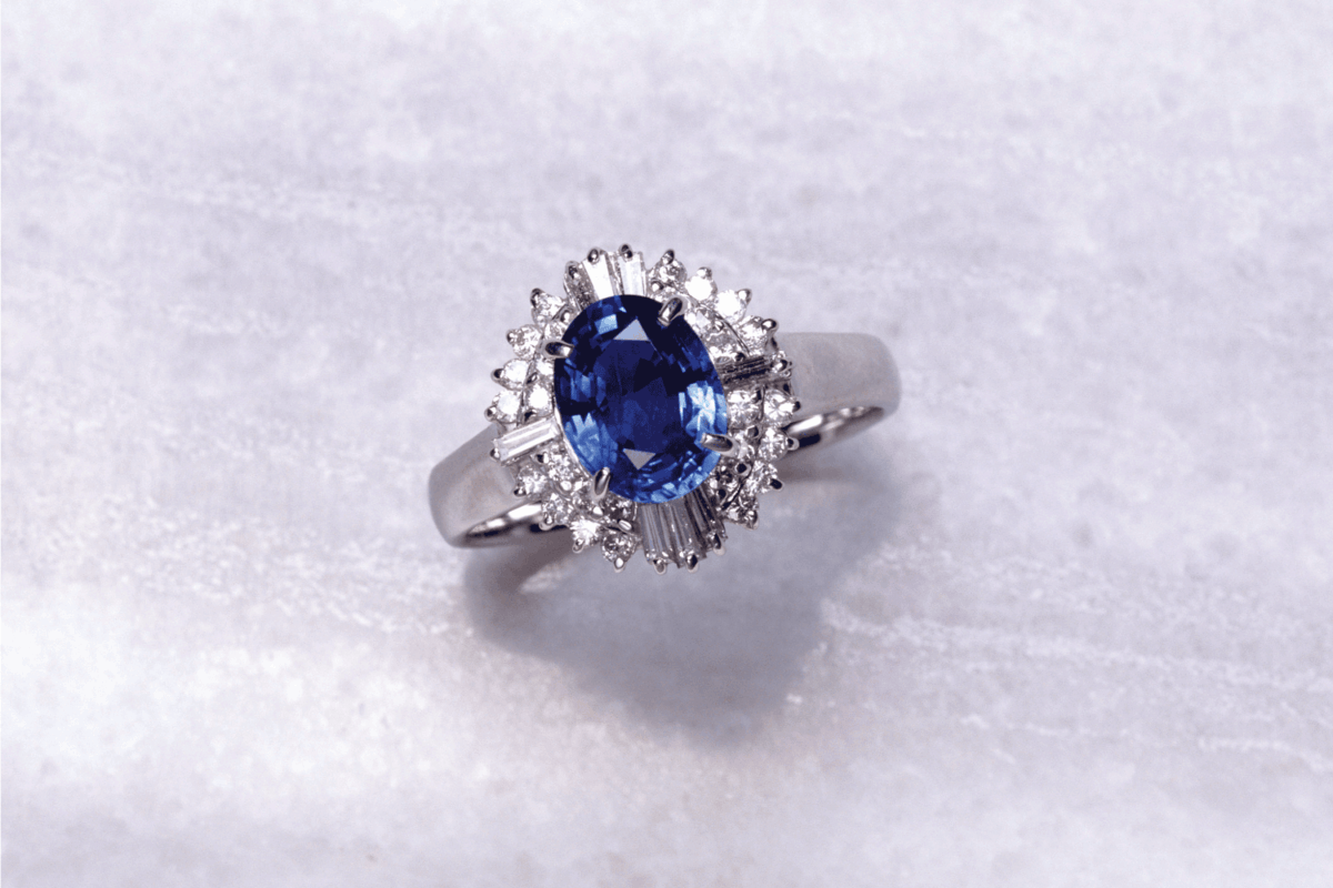 sapphire gemstone set in a glamorous engagement ring