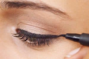 Read more about the article 11 Types Of Eyeliners To Know