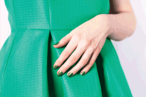 What Color Nails Go With A Green Dress?