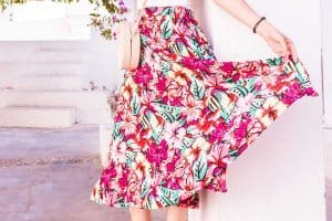 Read more about the article How Long Is A Midi Skirt Or Dress?