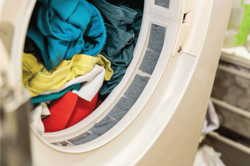 Lint-trapped-in-filter-of-laundry-dryer-clothes-machine-after-drying.-How-To-Wash-Lululemon-Yoga-Pants---2-Methods