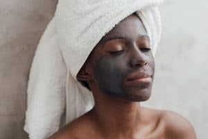 Read more about the article How To Remove A Charcoal Mask