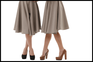 Read more about the article What Can You Wear With Midi Skirts? [11 Outfit Ideas]