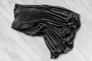 Read more about the article Can You Wear Tights With A Midi Skirt?