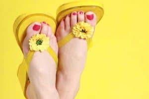Read more about the article How To Personalize And Embellish Flip Flops – 11 Awesome Ideas With Pictures