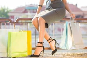 Read more about the article What Shoes To Wear With A Pencil Skirt?