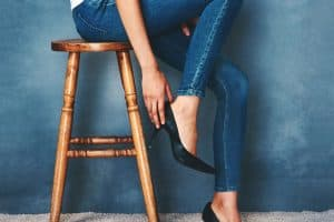 Read more about the article How To Turn Skinny Jeans Into Flares