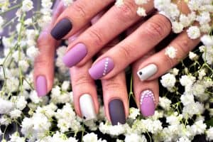 Read more about the article What Nail Color Goes With A Pink Dress?