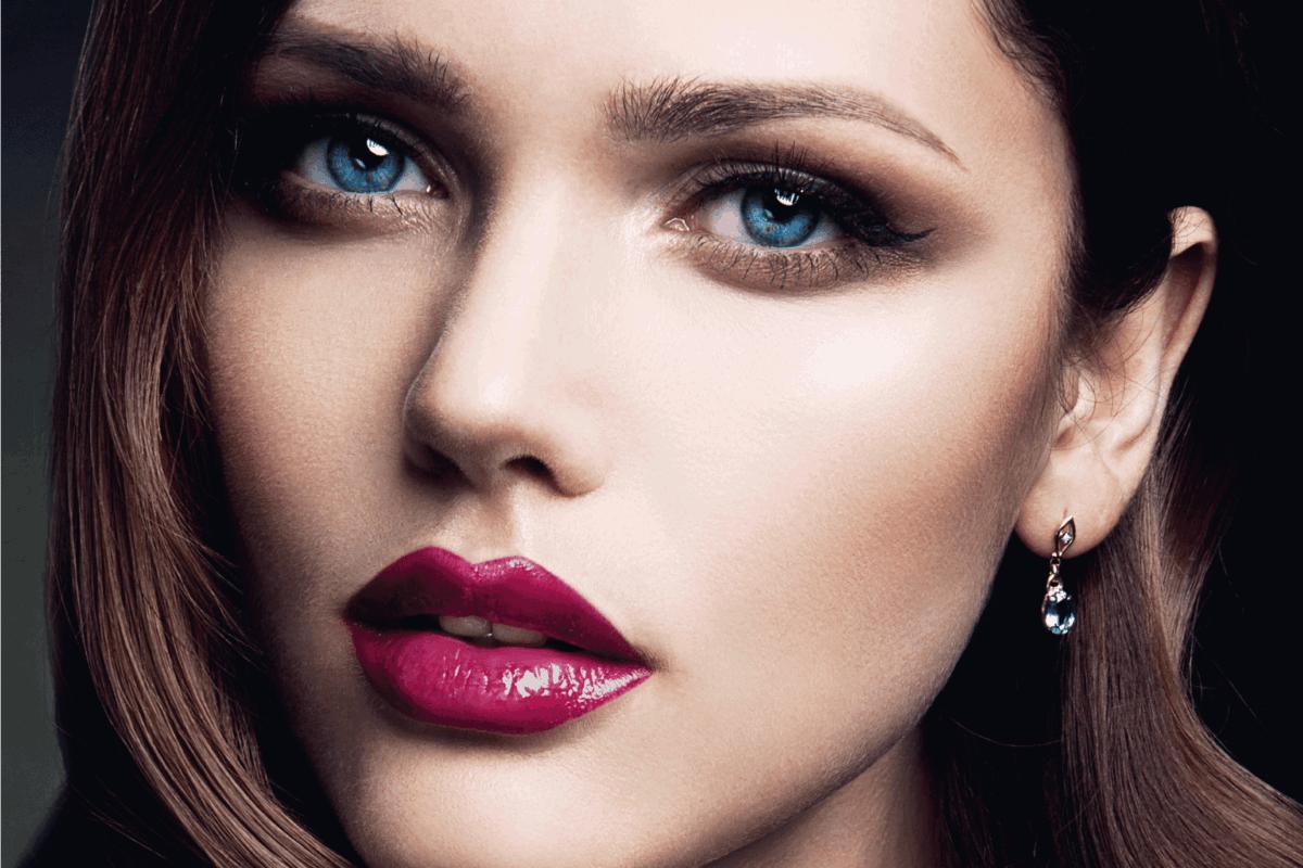 beautiful girl wearing fandango lipstick close up